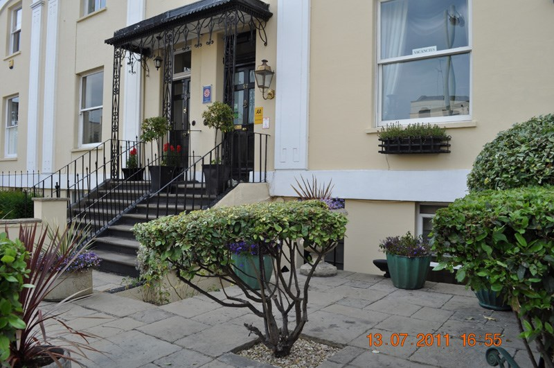 Crossways Guest House, 57 Bath Road, Cheltenham, Gloucestershire