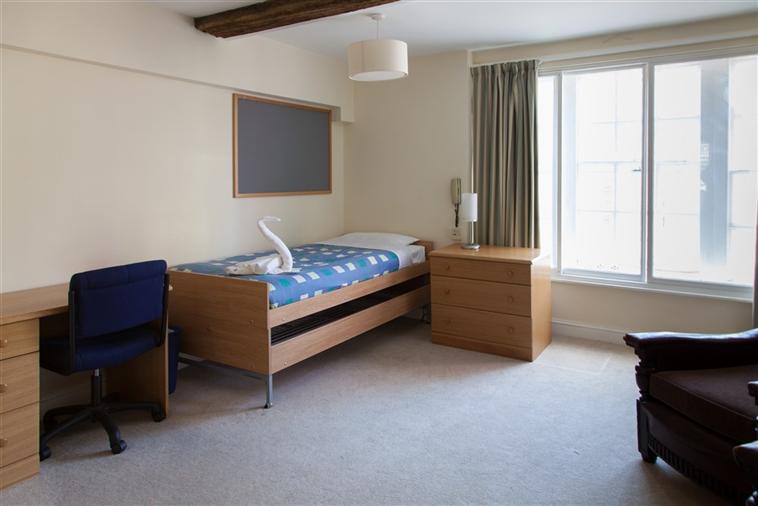Single Ensuite Bedroom