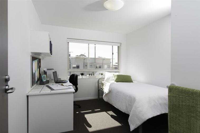 Five Bedroom Apartment bedroom