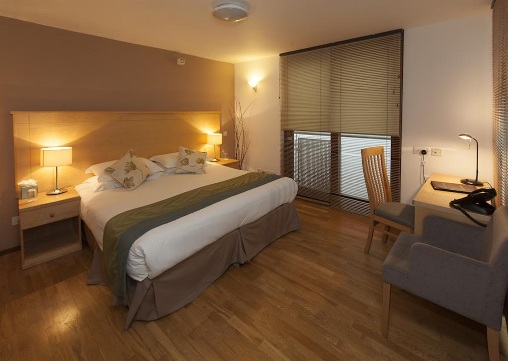 Goodenough Club - Double Room