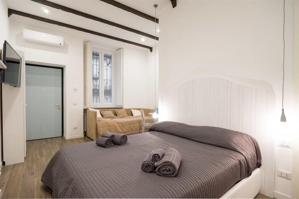 Milano Apartments Via Vigevano 41, Apartment | Best price guarantee