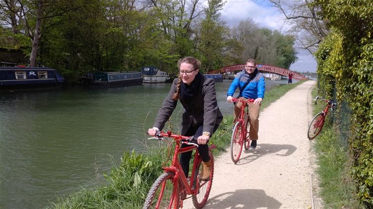Oxford bicycle tours Oxford + Thames path