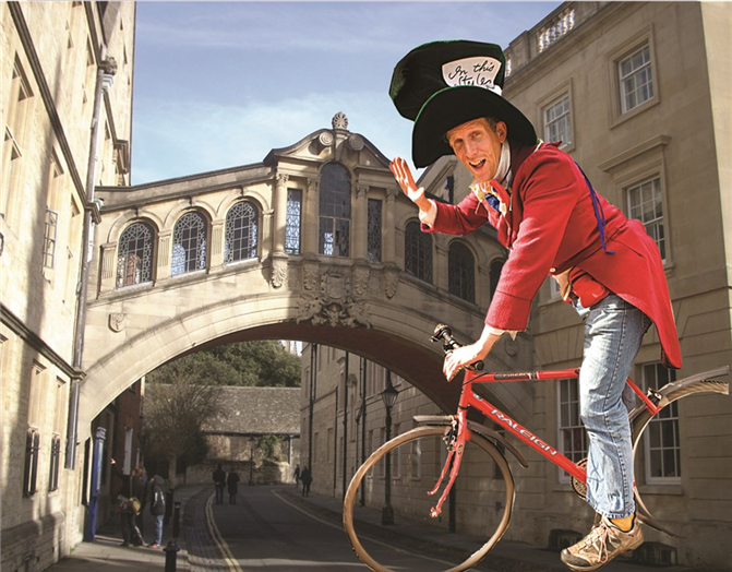 Oxford Mad hatter guide Bridge of Sighs