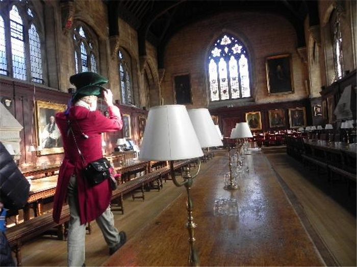 Oxford Guided Tours Mad hatter guide