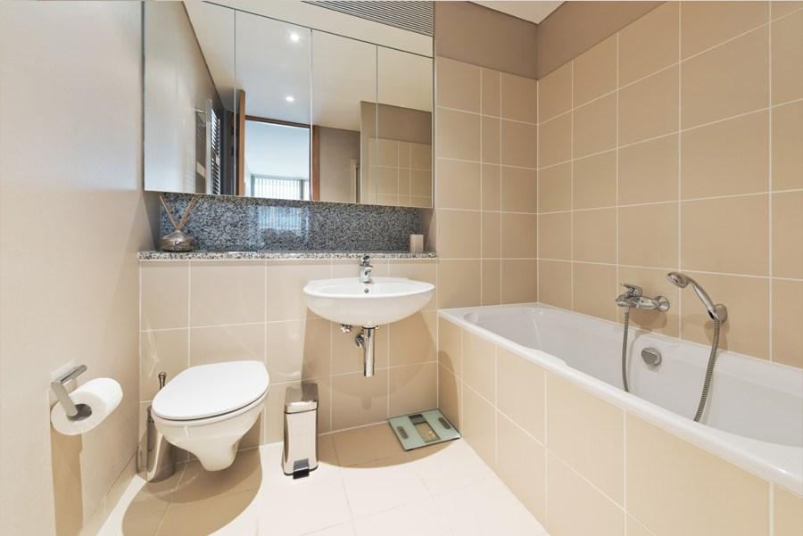 Birch at spencer dock apartment dublin apartment best for Best bathrooms dublin
