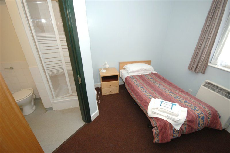 En Suite Room - Bowder Court - Gilbert Murray Stamford Hall