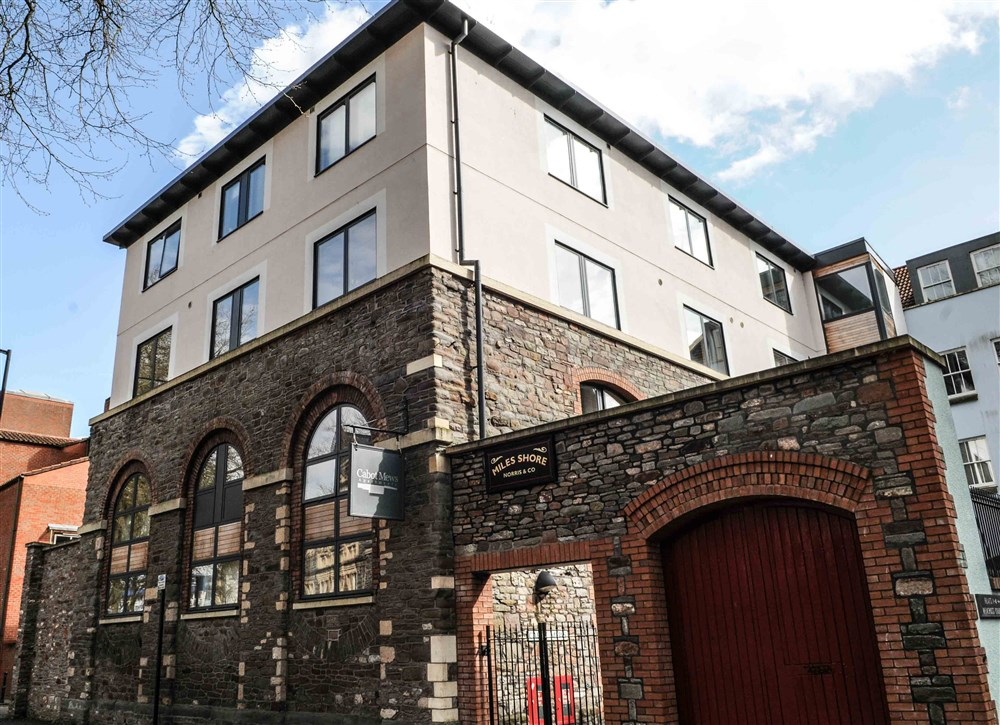 Cabot mews apartments bristol guest b b book now for 3 kitchener street leeds