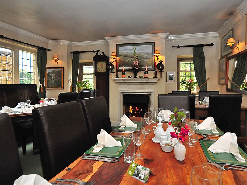Plough inn ford guest b b book now for Best private dining rooms edmonton