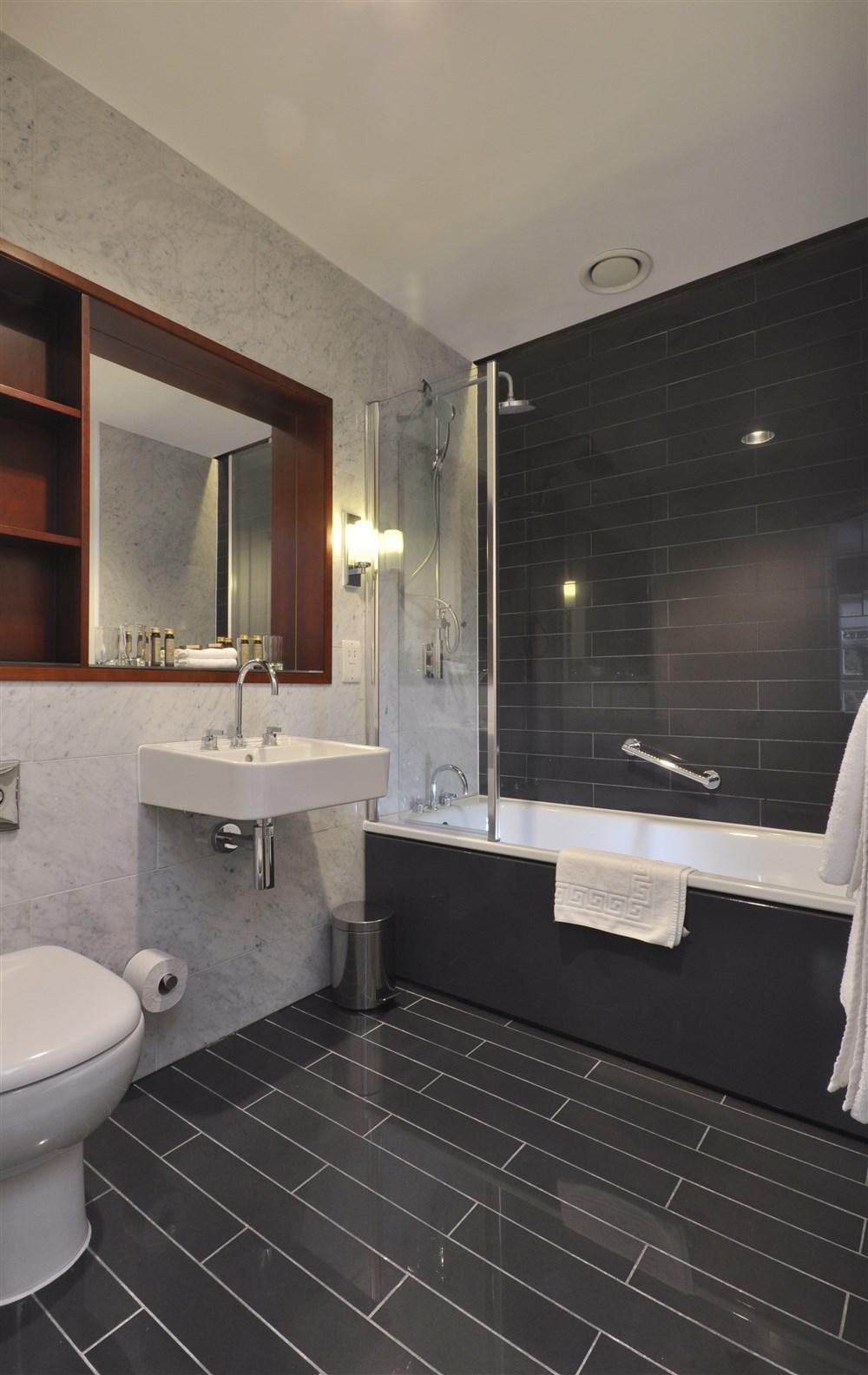 Griphon House Bathroom