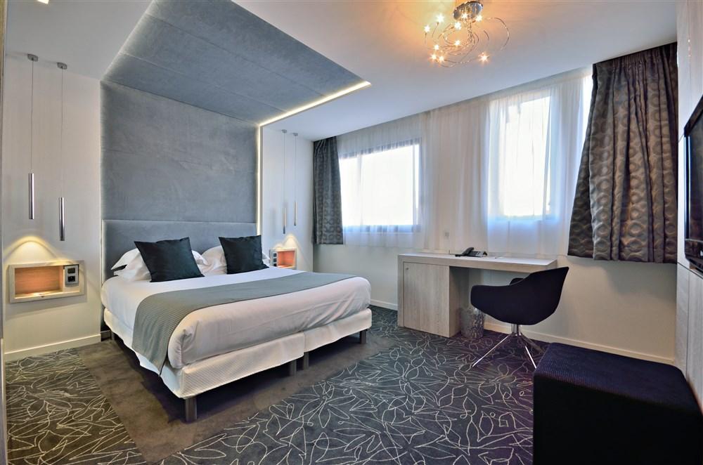 H tel c zanne spa cannes hotel best price guarantee for Hotel cezanne boutique hotel
