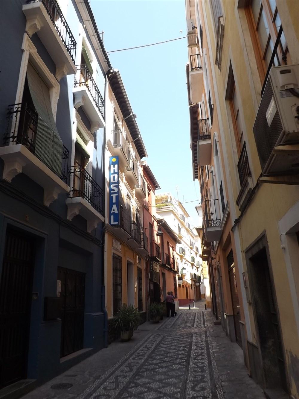 Hostal costa azul granada guest b b book now for 3 kitchener street leeds