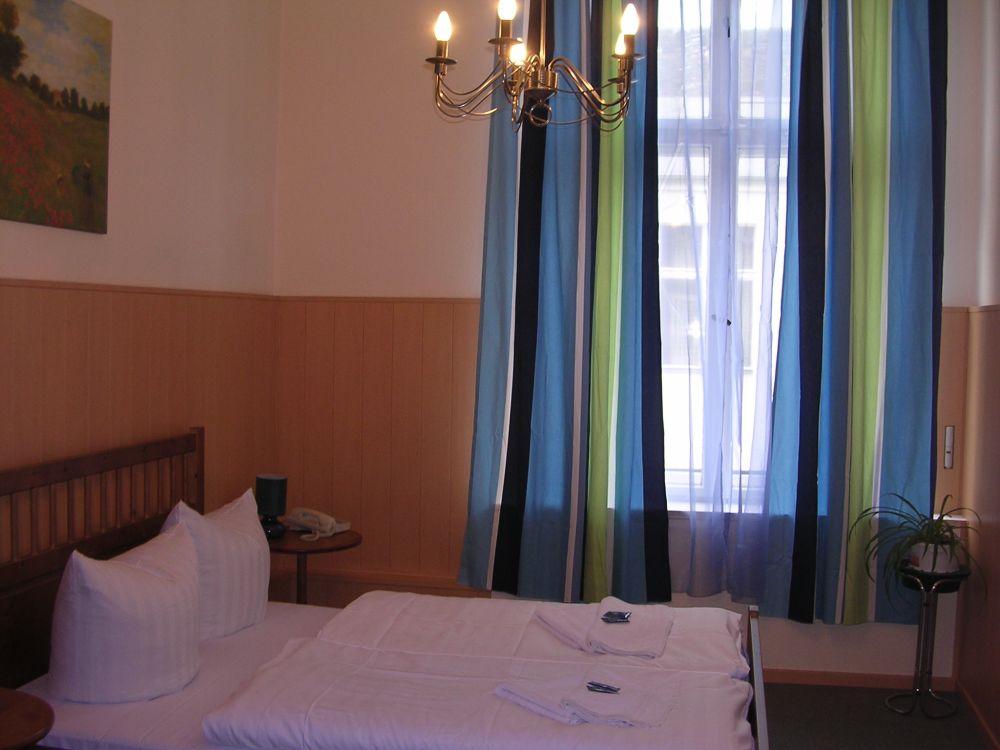 Hotel Pension Rheingold Berlin