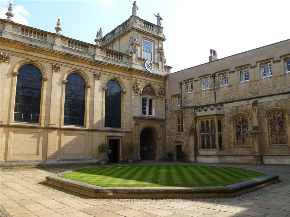 University College Oxford Gurst Room