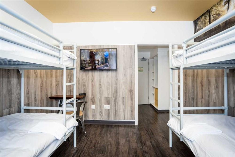 Euro Hostel Glasgow Superior 4 Person Room