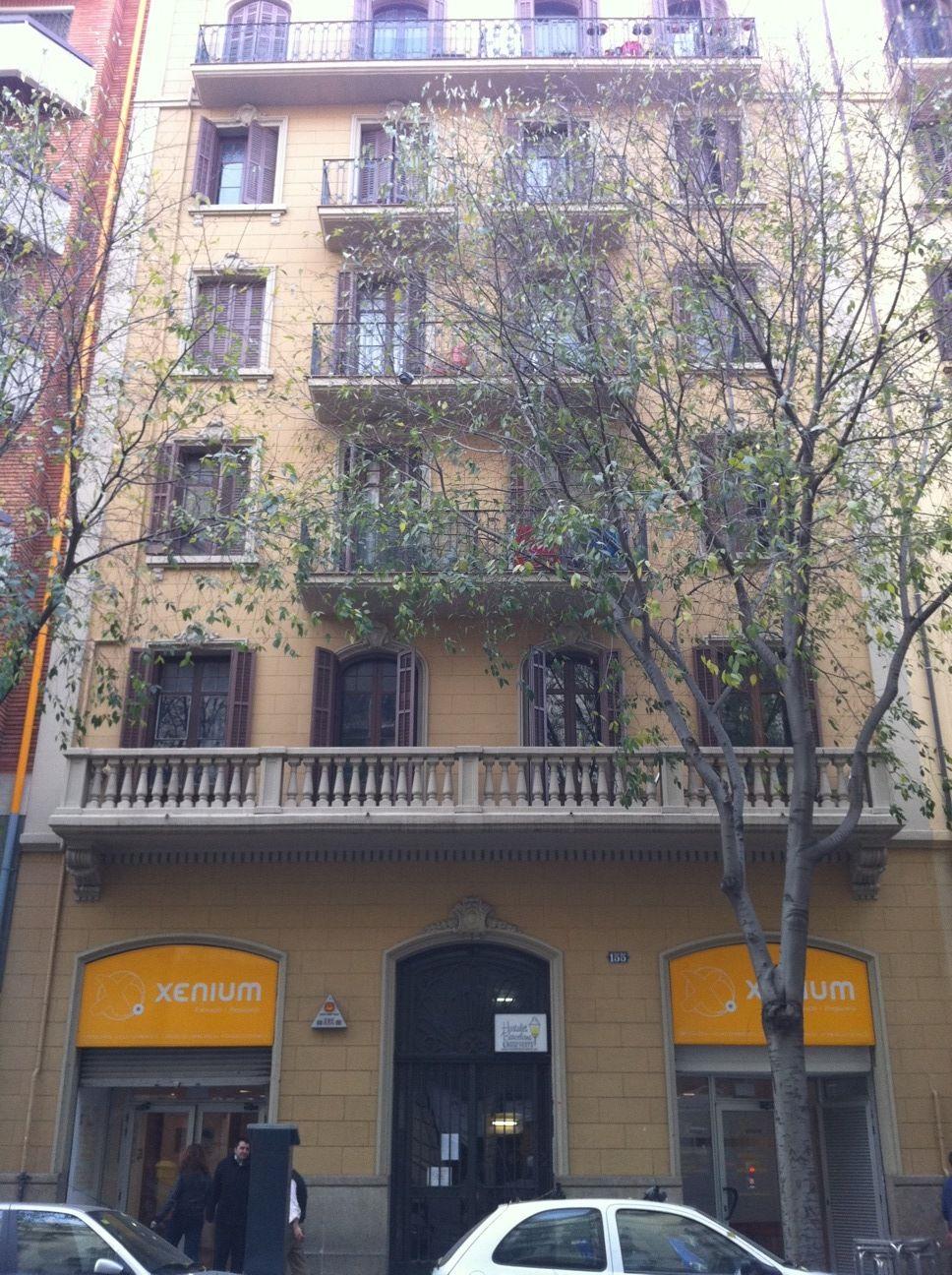 Hostalet barcelona barcelona guest b b book now for 3 kitchener street leeds