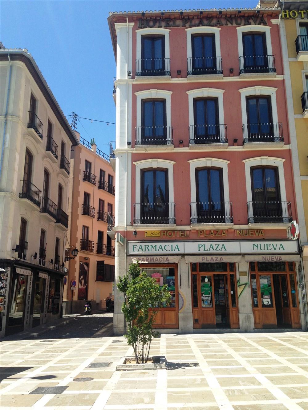 Hotel plaza nueva granada guest b b book now for 3 kitchener street leeds