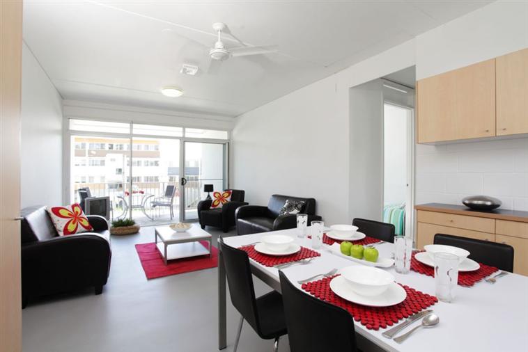 Apartment kitchen (5 bed)