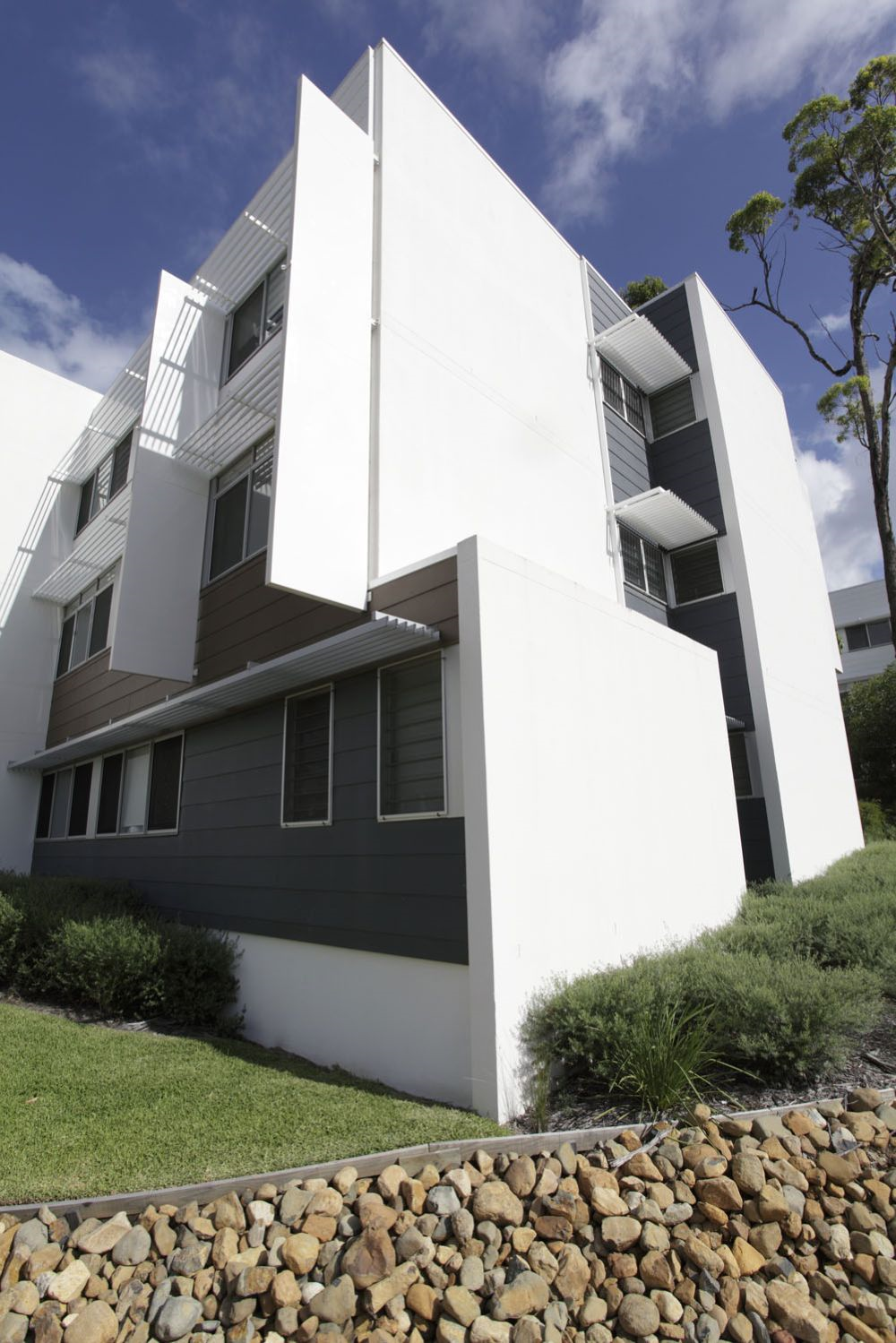 Griffith university village southport gold coast university residence best price guarantee for Griffith university gold coast swimming pool