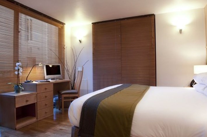 Goodenough Club - Double Mews Room  -