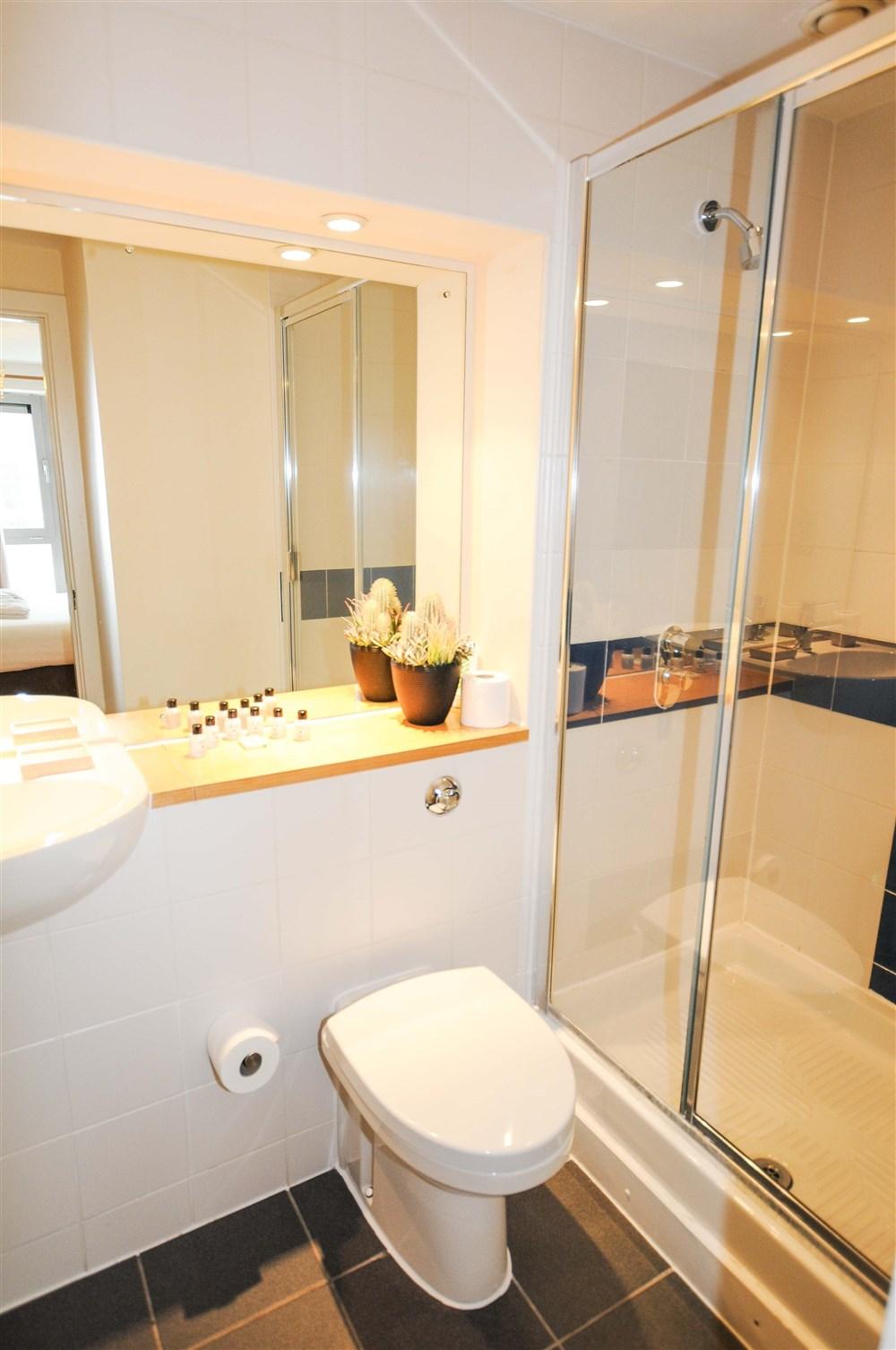 Hamilton Court Apartments Bristol Apartment Best Price Guarantee