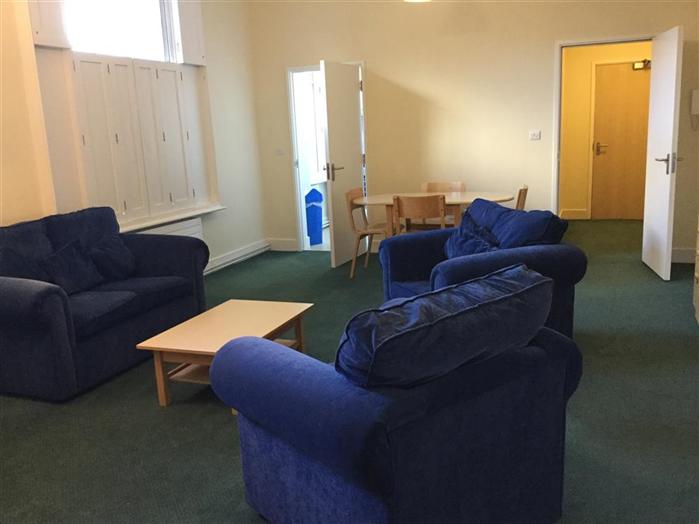 Daubeny Flat E Living Room