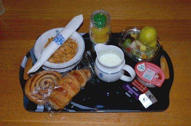 Sample Breakfast Tray
