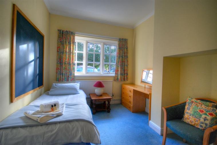 Barrmore Ground Floor Flat Single Room