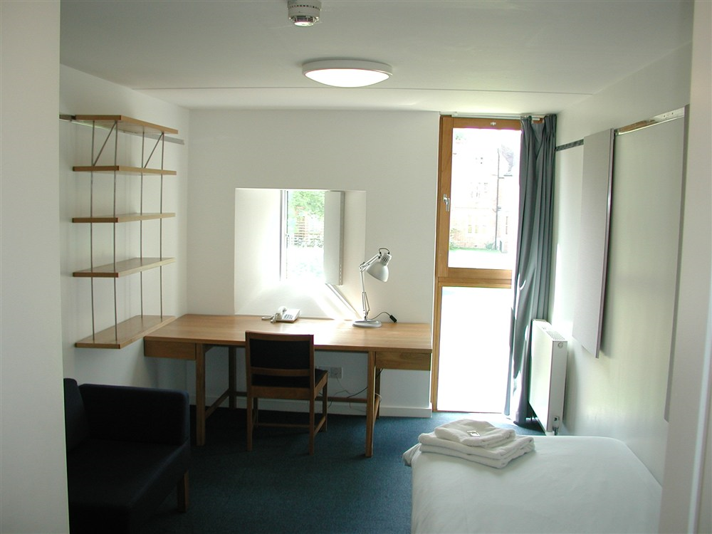 An ensuite bedroom in the Maplethorpe Building