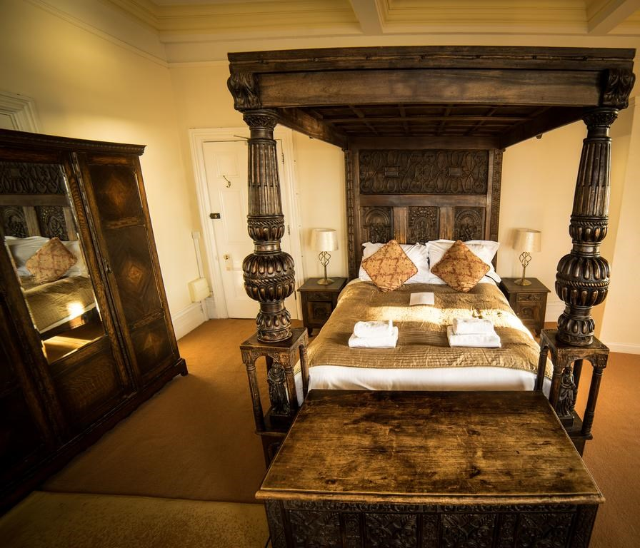 Camelot Castle Hotel, Hotel | Best price guarantee