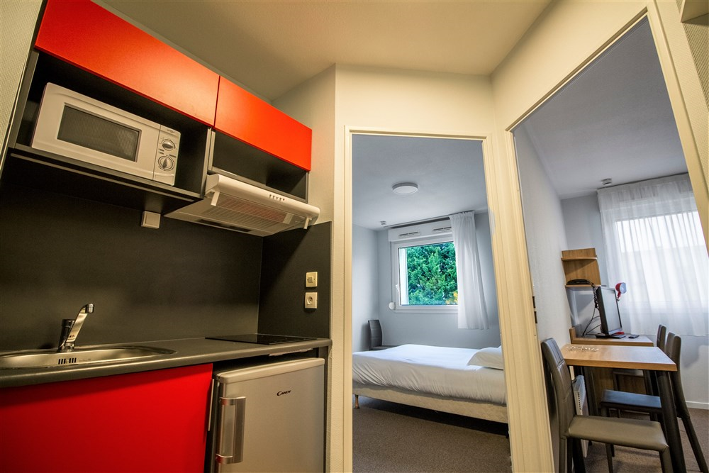 R sidence le champs de mars reims guest b b book now for Studio meuble a montreal