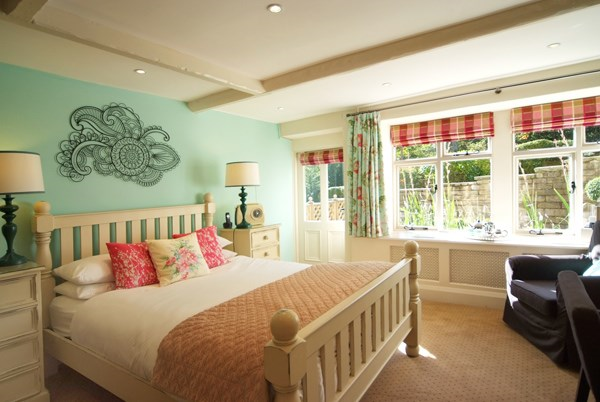 Shibden mill inn halifax b b best price guarantee for Garden rooms halifax
