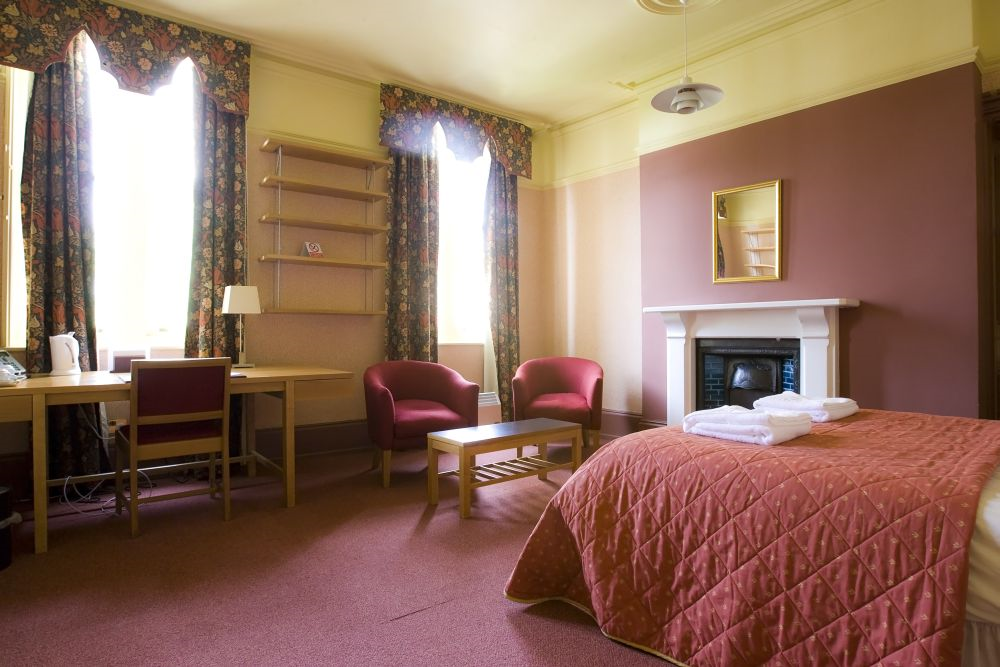 Benet Passage Accommodation/double bedroom