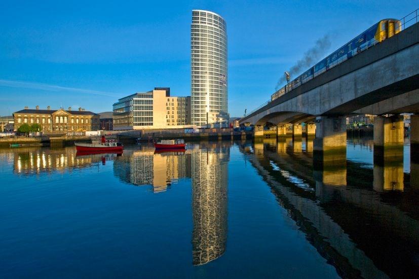 Dream Apartments Obel, Belfast, Apartment   Best price ...
