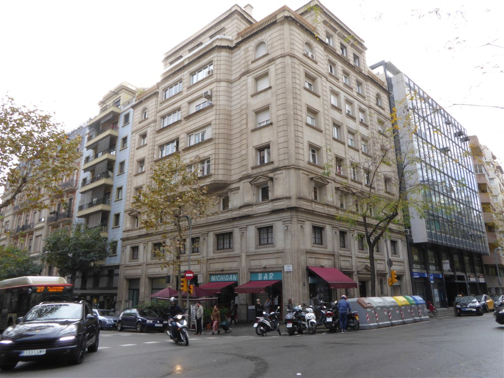 Residencia san marius traves barcelona students only for 3 kitchener street leeds