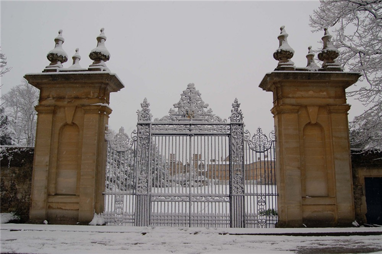 Snowy Garden Quad from Parks Road