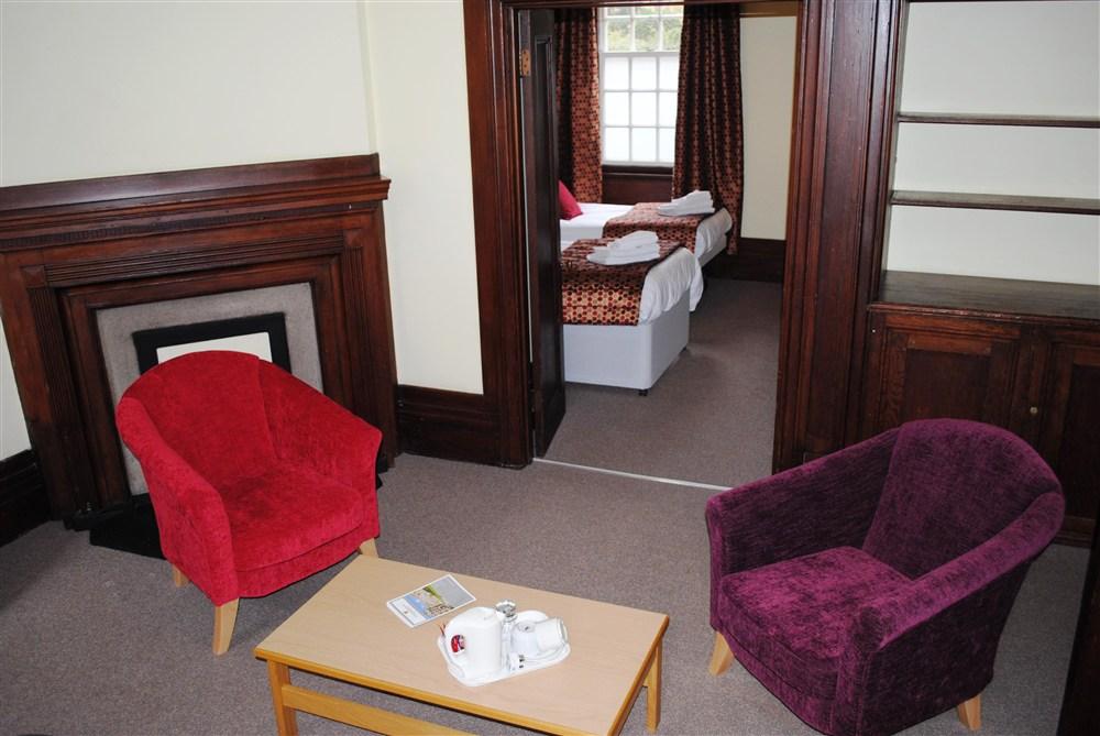 Memorial Court Bedroom